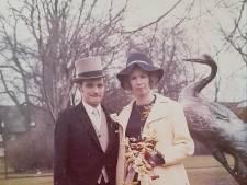 Ze lagen al bij elkaar in de box en zijn na vijftig jaar huwelijk nog steeds gelukkig; Ad en Bep van Os uit Mierlo