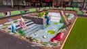 Een zoen voor de kikker in het 3D-bad van winkelcentrum Presikhaaf in Arnhem.