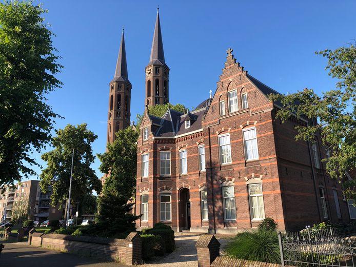 De pastorie in Uden wordt vanaf volgend jaar een notariskantoor.