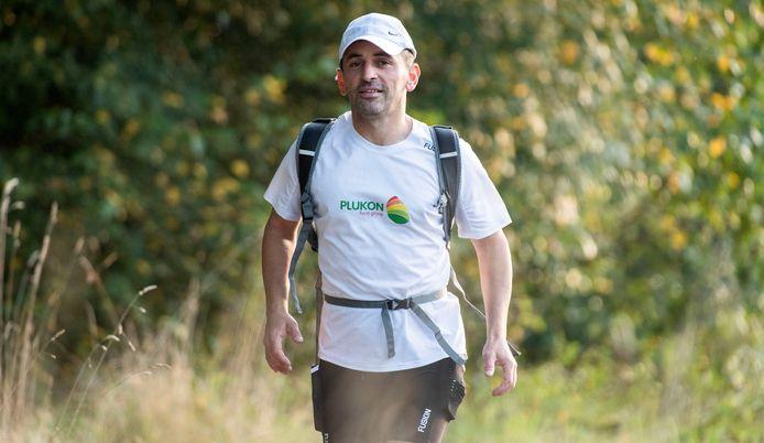 Ultraloper Shant Kayo liep niet alleen de 24-uursrun in Deventer, maar rende zelfs naar Deventer om de wedstrijd te gaan lopen: ongeveer de marathonafstand.