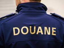 Douane neemt 55.000 illegale 'COVID 19-geneesmiddelen' in beslag