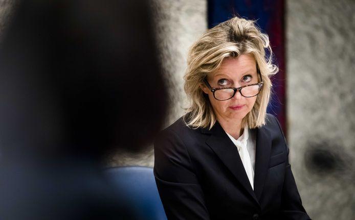 Minister Kajsa Ollongren van Binnenlandse Zaken (D66) presenteert vandaag een plan om de integriteit in de lokale politiek te verbeteren.