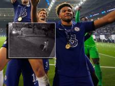 Inbrekers zien James op tv voor Chelsea spelen en beroven hem bij inbraak van zijn medailles