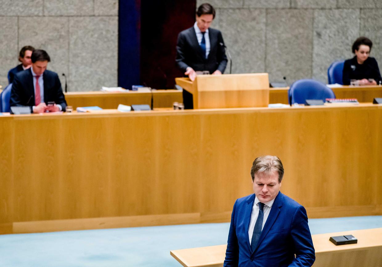 Rutte en Omtzigt tijdens een debat over het aftreden van het kabinet naar aanleiding van de toeslagenaffaire. Beeld ANP