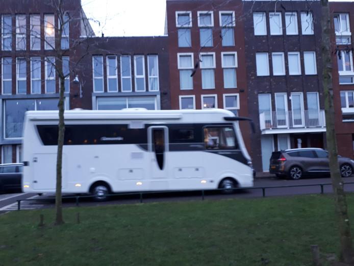 De Sint kwam per camper naar basisschool De Regenboog in Woerden.