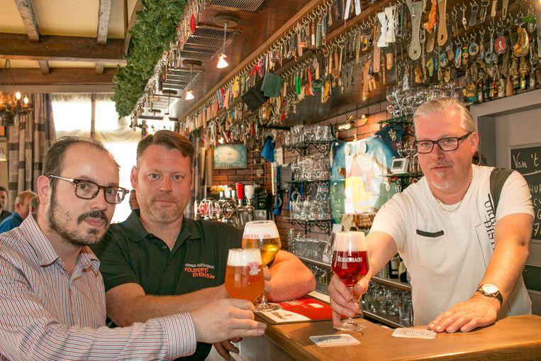 Soames Maes van biervereniging De Objectieve Kaaischuimers, Pieter Foubert van Foubert Events en Steven Weyers van café The Falcon.