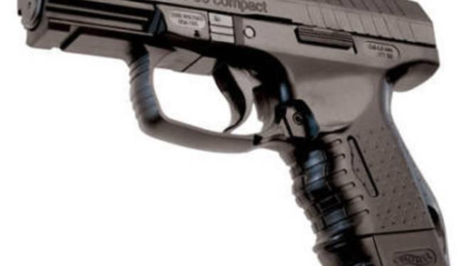 Celstraf voor man die luchtdrukpistool crisisopvangcentrum binnenbrengt