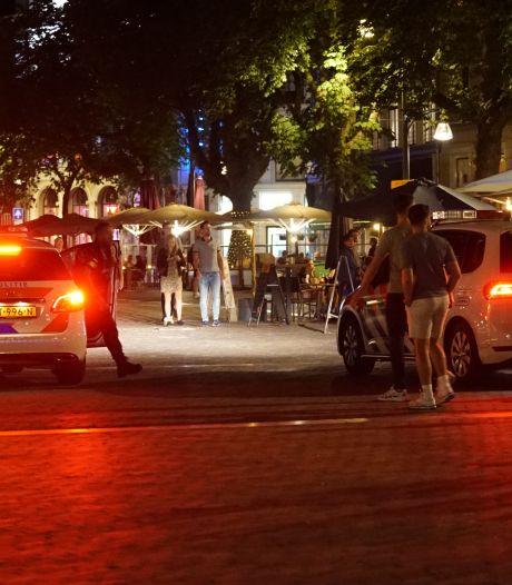 Vijf aanhoudingen op Deventer Brink na onrust in uitgaansnacht