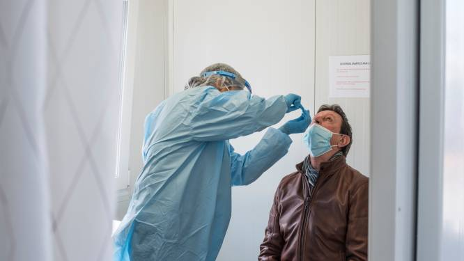 """Vandenbroucke: """"Geen gratis test voor wie al kans kreeg gevaccineerd te worden"""""""