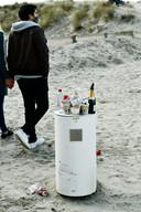 De vuilbakken kunnen alle afval niet slikken (photo by Florian Van Eenoo/Photo News)