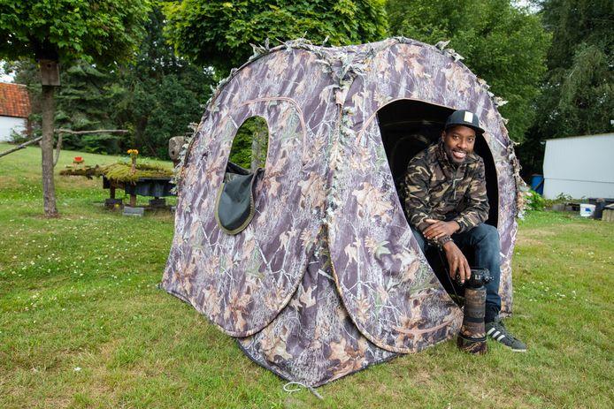 Niki Colemont in zijn tent.