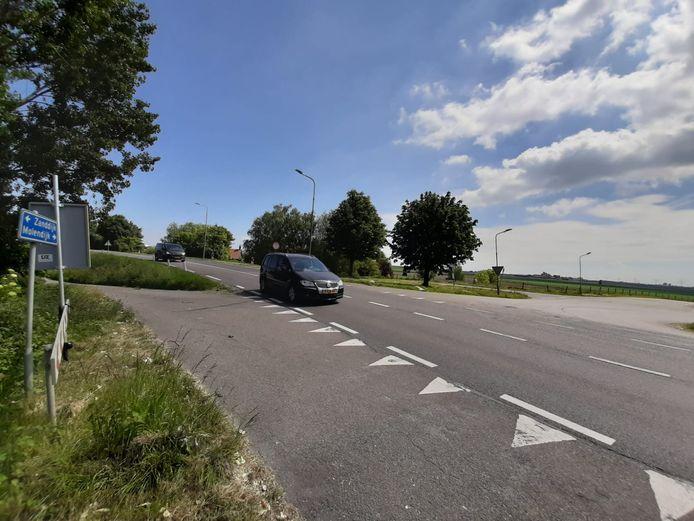 Als het aan de gemeente Reimerswaal ligt, wordt de Zanddijk verbreed.