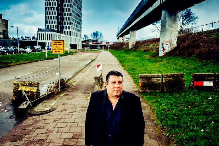 Robert Vuijsje: 'Voor de buitenwereld was ik van romanschrijver veranderd in opiniemaker.' Beeld Stefaan Temmerman