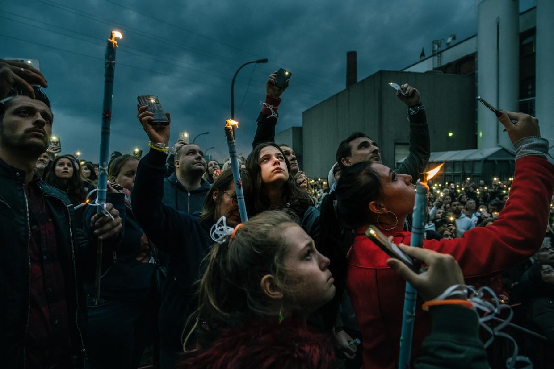 Op 8 mei kwamen in Antwerpen, afhankelijk van de bron, 1.500 tot 3.000 mensen samen om Julie Van Espen te herdenken.