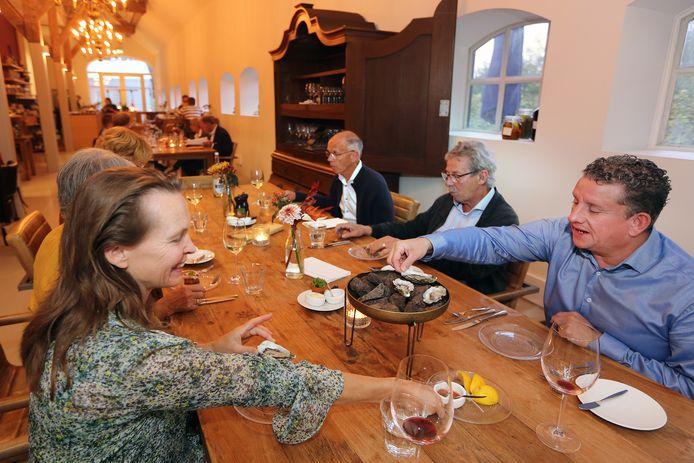 De Blauwe Camer in Oosterhout, waar smaakvolle gerechten met verse, zelfgeteelde producten op het menu staan.