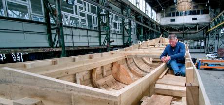 Vrijwilligers gezocht voor 'haast onmogelijke taak': het slepen van een levensgroot schip door Dordrecht
