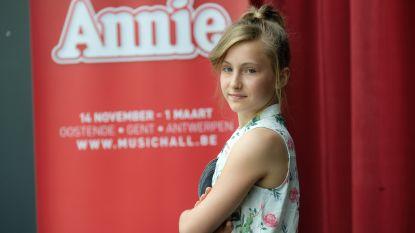 """VIDEO. Chaya Van Mol (12) schittert als Annie in nieuwe gelijknamige musical: """"Soms denk ik dat ik nog altijd aan het dromen ben"""""""