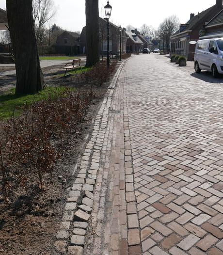 Euvel van losliggende keien in nieuwe dorpshart Liempde wordt snel opgelost