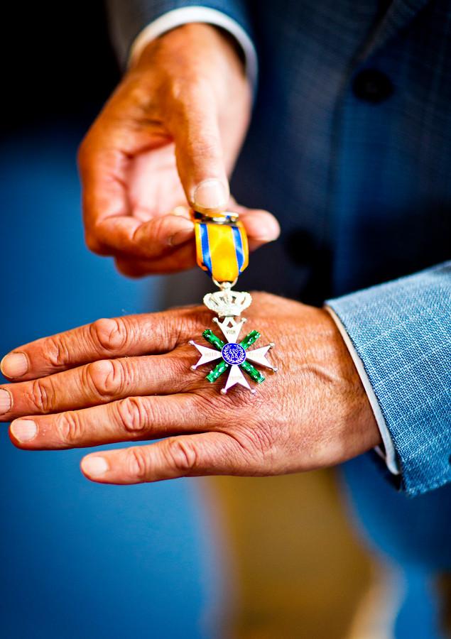 De Militaire Willems-Orde die Roy de Ruiter krijgt opgespeld.
