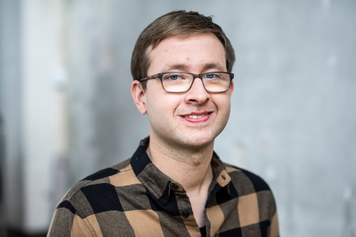 Vincent Kiers (29) uit Enschede is een van de jongeren met een lichte verstandelijke beperking die centraal staat in het programma Net ff Anders.