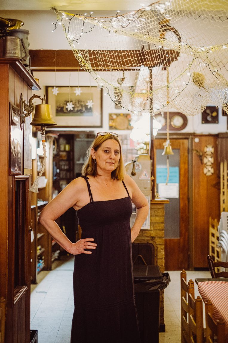 """Sofie Simoens van Het Mosselhuis in Oostende. """"Voorlopig kunnen we de veiligheid van de gasten niet garanderen."""" Beeld Wouter Maeckelberghe"""
