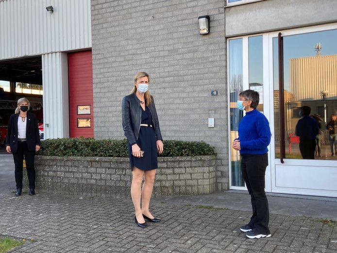 Minister Annelies Verlinden (CD&V) kwam vrijdagavond nog naar Brecht.