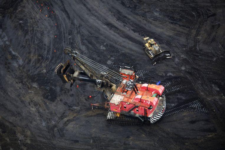 Oliewinning uit teerzanden in Alberta, Canada Beeld null