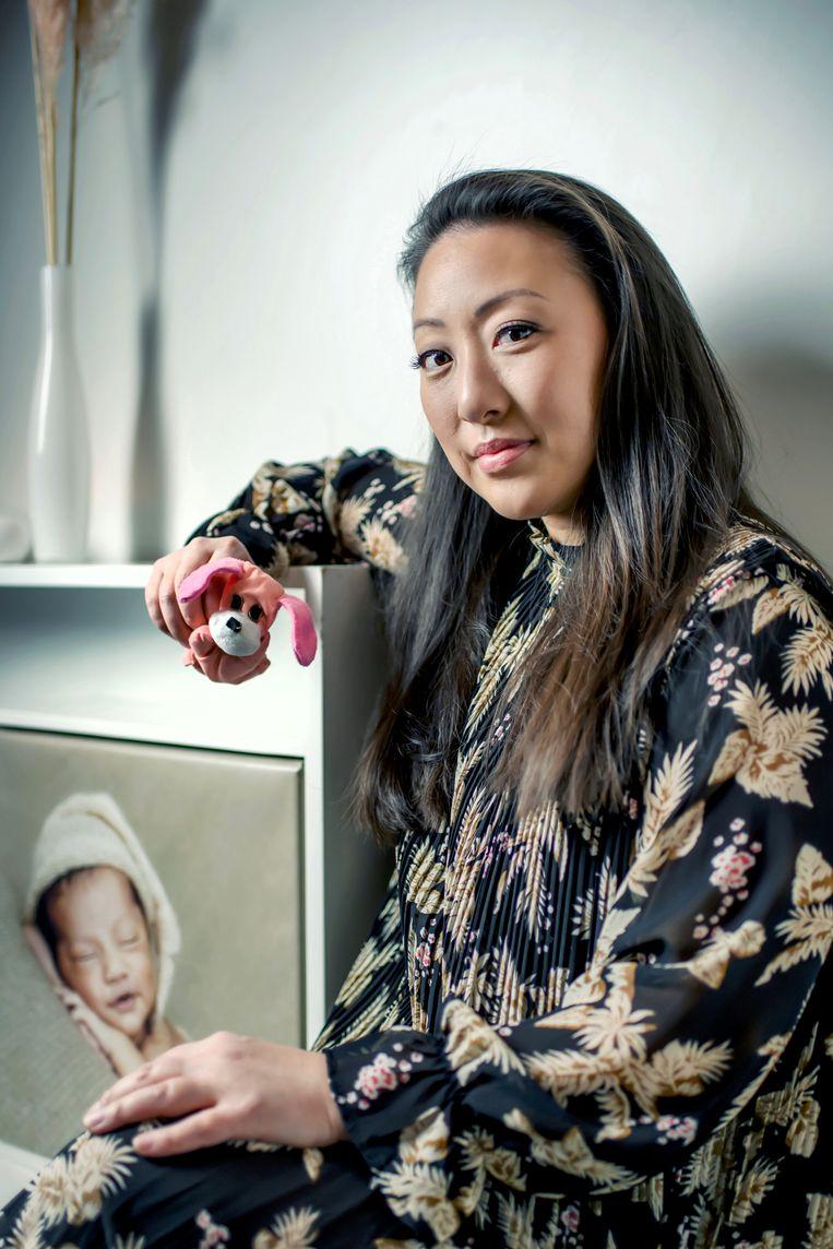 Min Hee Bervoets: 'Een voorbijganger zag me liggen in de inkomhal van een leegstaand kantoor in de stad Donghae.' Beeld Geert Van de Velde
