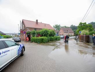 """Wateroverlast in alle deelgemeenten van Halle: """"Help je buren, vrienden en familie in deze moeilijke periode"""""""