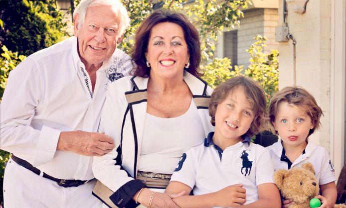 Gilles met zijn echtgenote Jacqueline en kleinkinderen