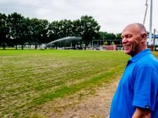 Droogte: voetbalvelden ruilen groen in voor geel en stoffig
