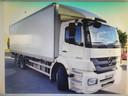 Deze vrachtwagen werd woensdagnacht gestolen bij de firma Braem in Handzame.