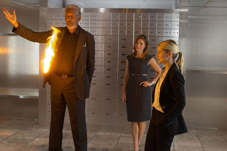 Morgan Freeman, Mélanie Laurent en Jessica Lindsey in Now You See Me van Louis Leterrier. Beeld