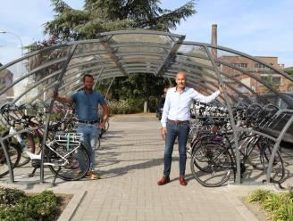 """Nieuwe fietsenstalling aan kruispunt Waversesteenweg-Lierbaan in Putte: """"Plaats voor 28 fietsen"""""""