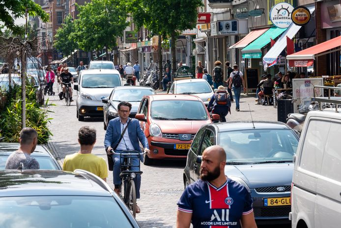 Altijd leven in de brouwerij in de kosmopolitische Steenstraat in Arnhem. Maar na zonsondergang voelen mensen zich hier niet veilig.