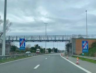 Tijdelijke brug over A10 open voor fietsers en voetgangers, definitieve oplossing ten vroegste in 2023