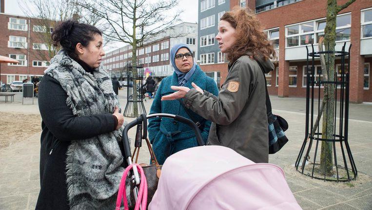 Ouders komen bij elkaar in de groep FC Kip, een club om elkaar te blijven begrijpen Beeld Charlotte Odijk