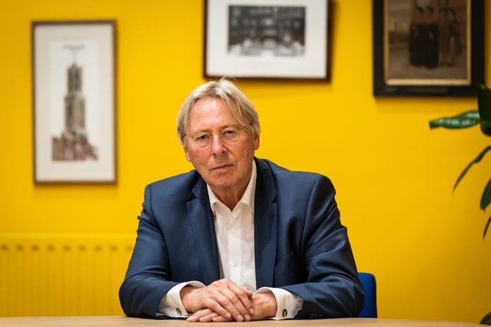 Burgemeester Peter den Oudsten beraadt zich nog op maatregelen om de drukte in de Utrechtse binnenstad tegen te gaan.