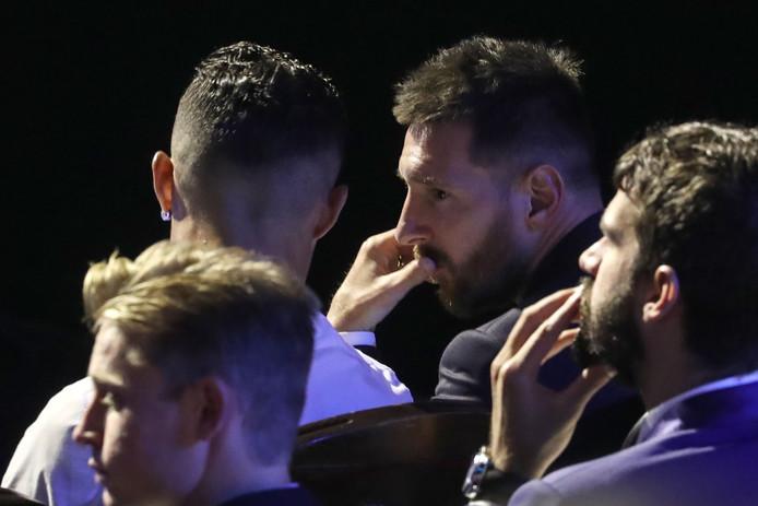 Messi en Ronaldo spraken op de awarduitreiking van de UEFA in Monaco op 29 augustus uitgebreid met elkaar.