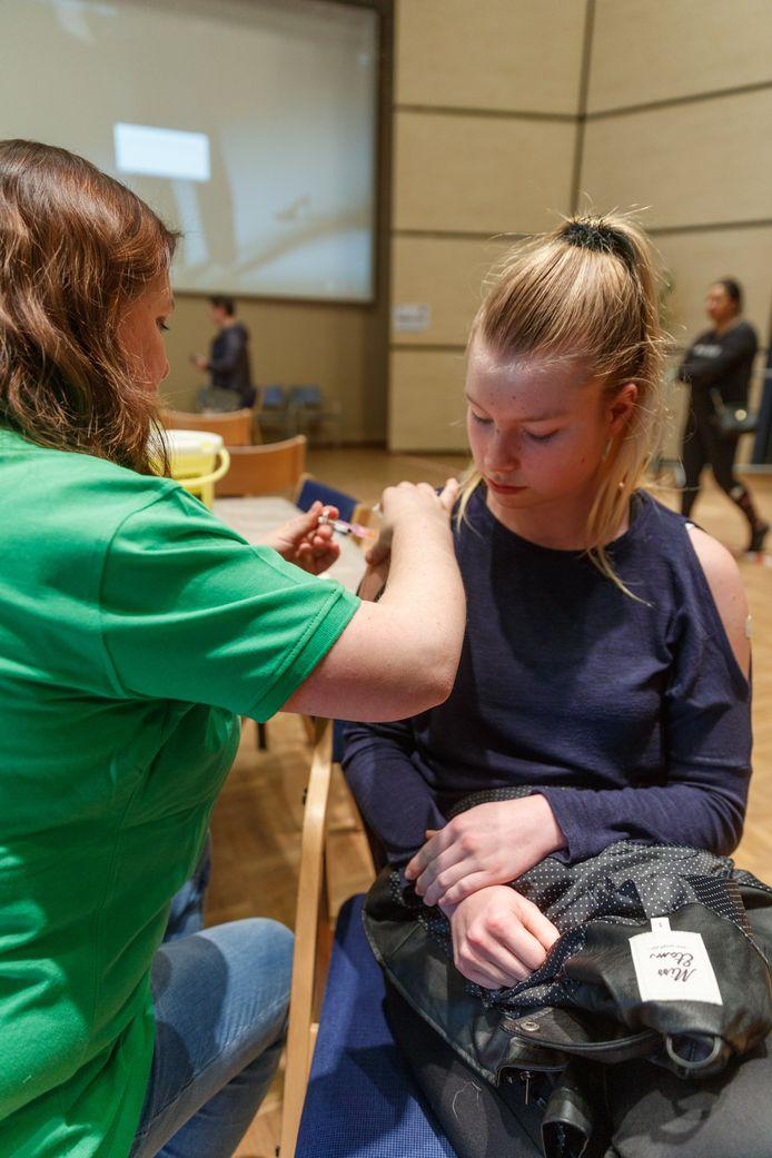 De vaccinatiecampagne Meningokokken/HPV startte vandaag in de gemeente Moerdijk.
