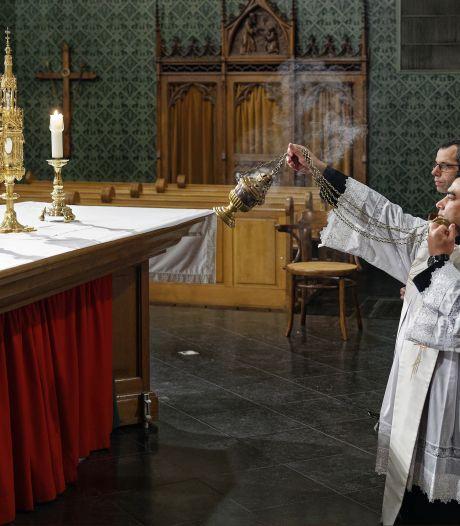 Hostiehouder uit 1896 na jaren weer bruikbaar voor Nicolaaskerk Helvoirt