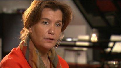 """Zijn vermeende Vlaamse dochter reageert op de ultieme zondeval van de Spaanse koning: """"Juan Carlos' ballingschap doet mij heel veel pijn"""""""