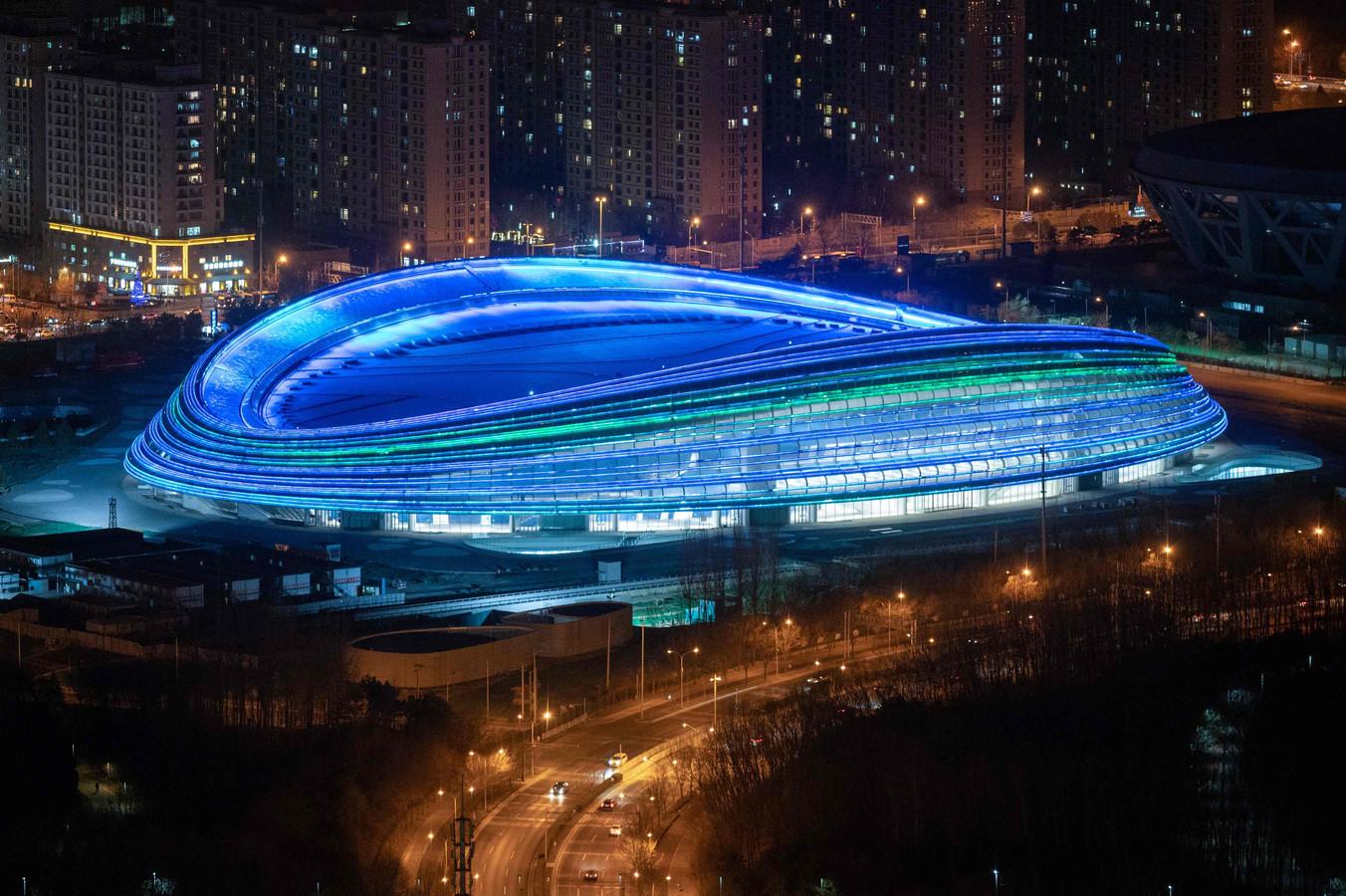 Het stadion in Peking waar in 2022 het schaatsen plaatsvindt.