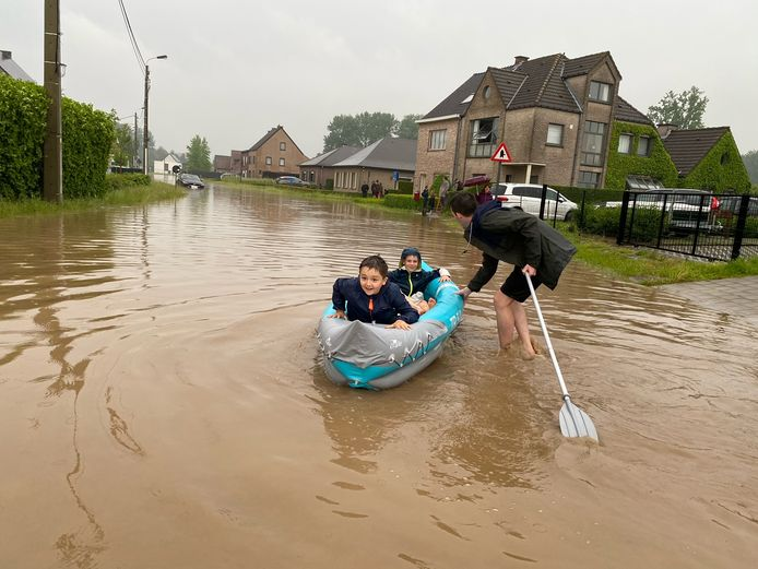 Ook waterplezier in de Suikerstraat.