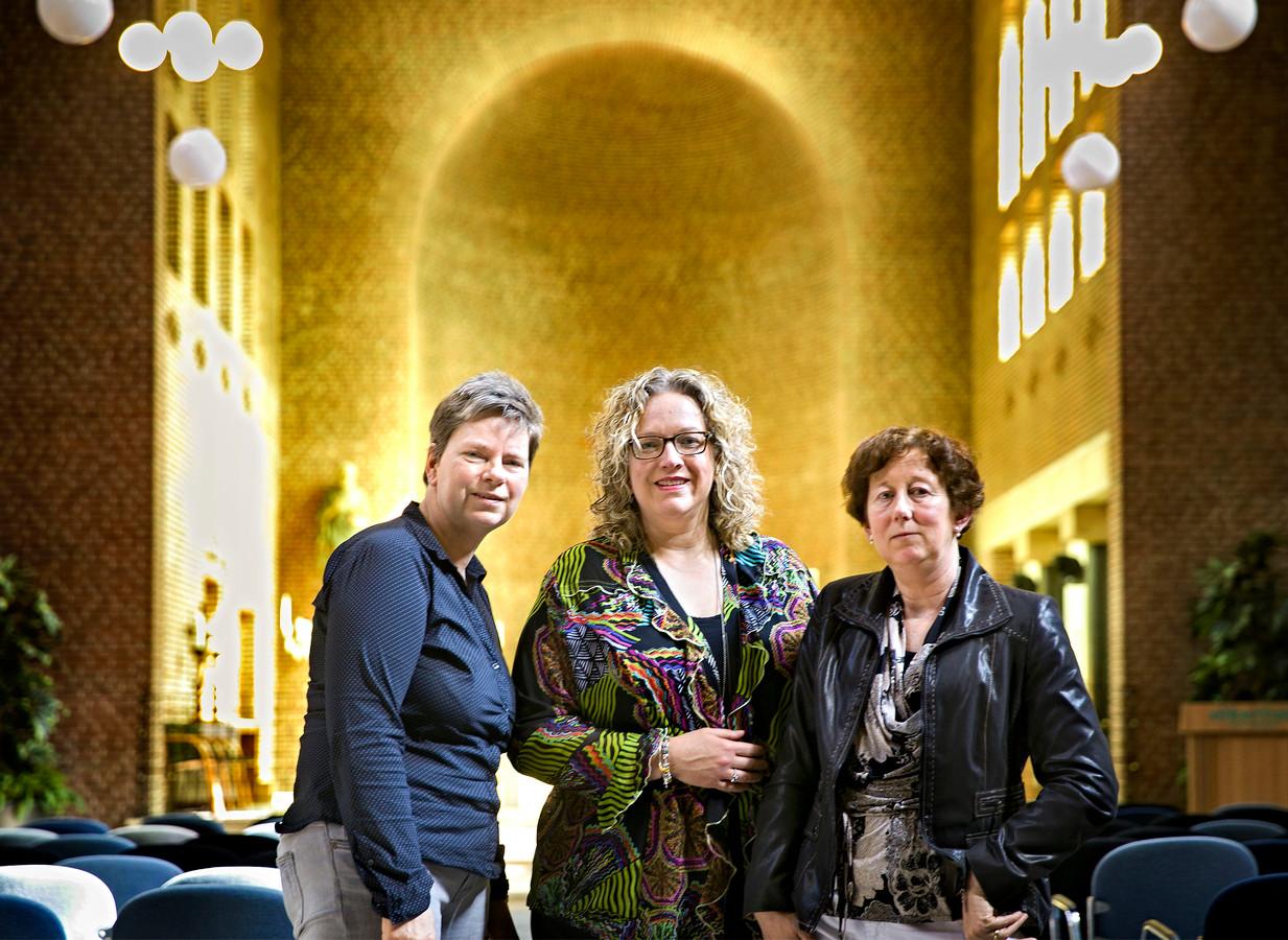 De drie 'Yoppers' in de kapel van het Elkerliek. Van links naar rechts Olga Hendriks, Simone Rensen en Sonja Bakker. Foto René Manders