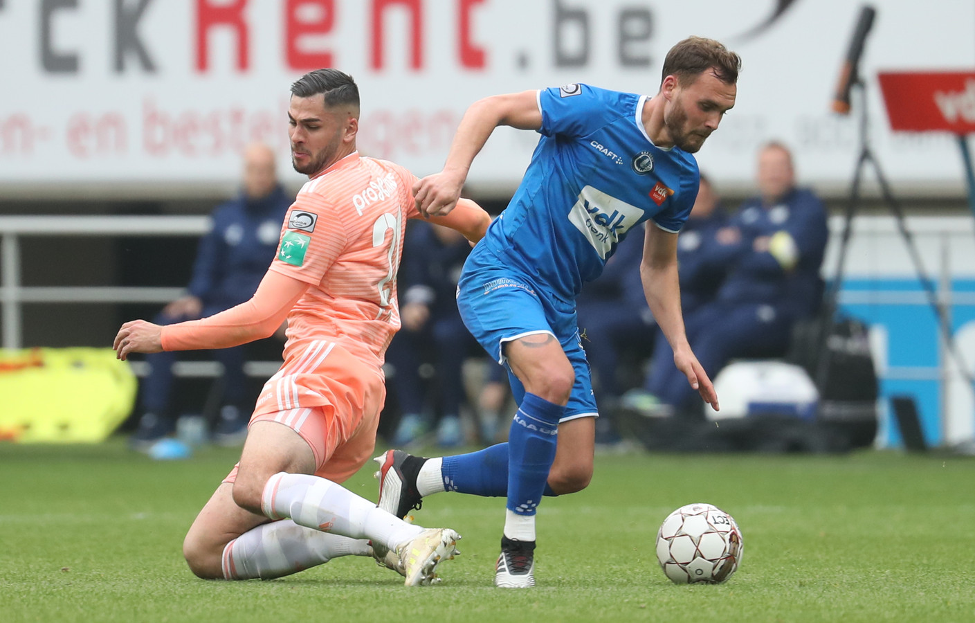 Anderlecht's Elias Cobbaut and Gent's Birger Verstraete fight for the ball during a soccer match between KAA Gent and RSC Anderlecht, Sunday 19 May 2019 in Gent, on the tenth and last day of the Play-off 1 of the 'Jupiler Pro League' Belgian soccer championship. BELGA PHOTO VIRGINIE LEFOUR