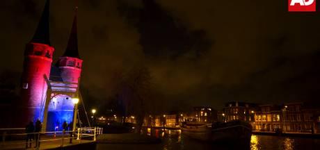 Delft in schijnwerpers door prachtig verlichte Oostpoort