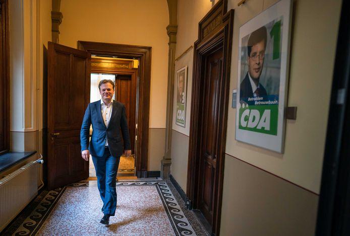 Pieter Omtzigt (CDA) in het gebouw van de Tweede Kamer.  In een 76-pagina's tellend memo haalt hij uit naar zijn partij en leider Wopke Hoekstra.