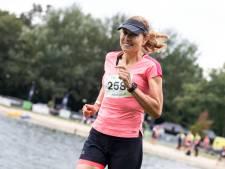 Kanker maar toch meedoen aan een triatlon? De Enschedese Helga (62) deed het: 'Ze gaven me nog een paar weken'