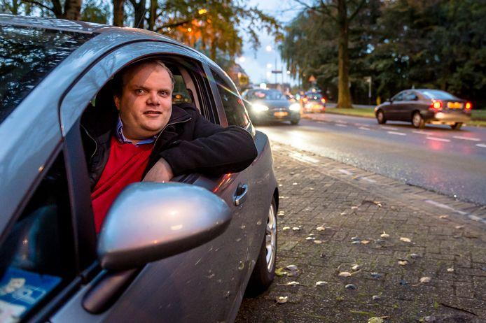 Wim Donker rijdt dagelijks met zijn auto van Rotterdam-Zuid naar Hillegersberg.